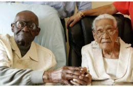 ils-ont-a-eux-deux-213-ans-le-mari-en-a-108-la-femme-105-et-ils-fetent-leur-82e-annee-de-mariage