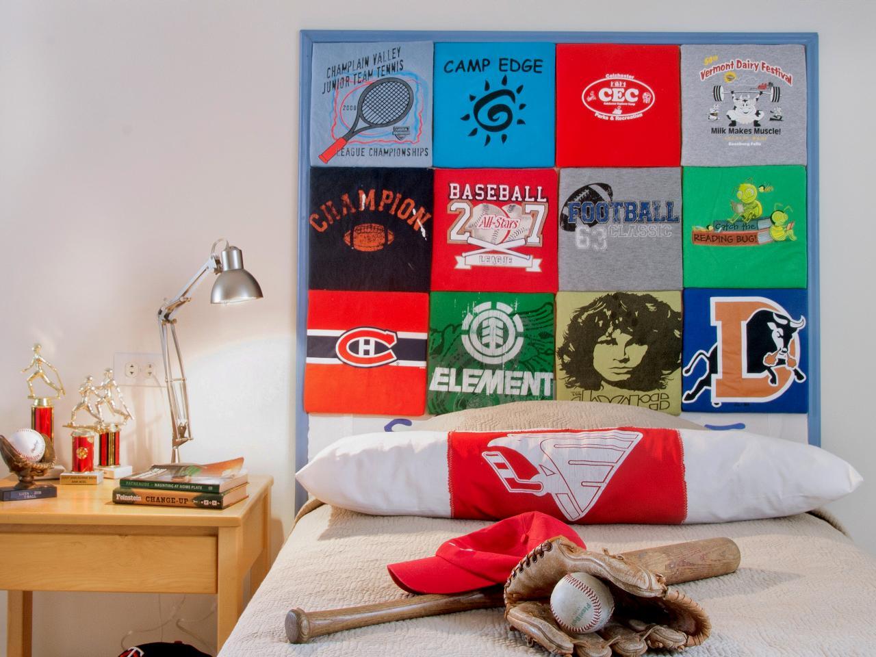 Habillez des carrés de contreplaqué de vos t-shirts préférés