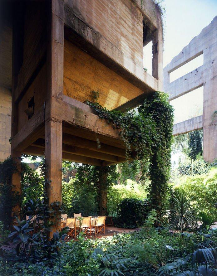Cet architecte crée sa maison dans une cimenterie abandonnée...le résultat est époustouflant 5