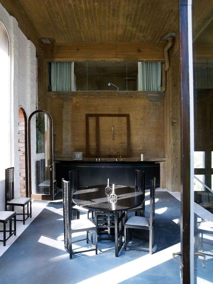 Cet architecte crée sa maison dans une cimenterie abandonnée...le résultat est époustouflant 8