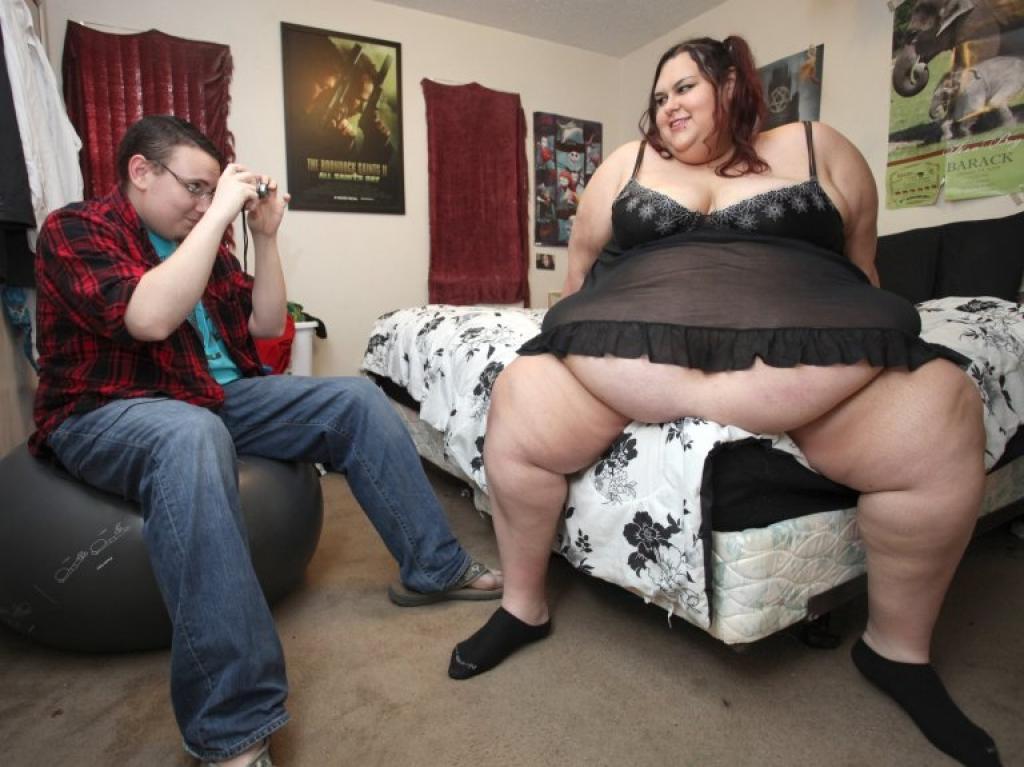Elle désire grossir pour ne plus avoir à bouger...l'attitude de son mari est quand même troublante 3