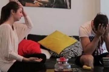 elle fait croire à son mec qu'elle est enceinte mais sa blague se retourne contre elle