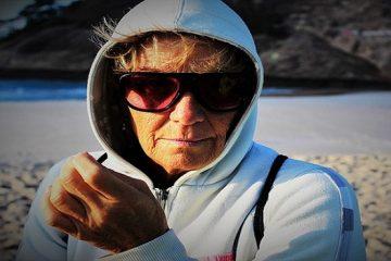 elderly-woman-1466240_640
