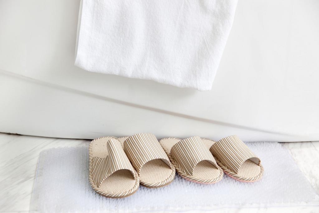 quelle fr quence devriez vous laver vos draps et vos tapis de bain cuisine sant. Black Bedroom Furniture Sets. Home Design Ideas