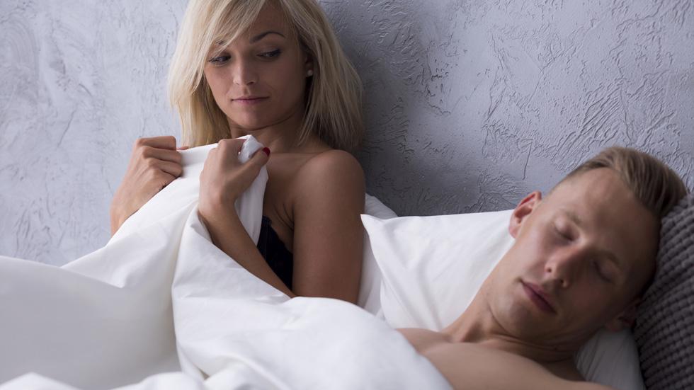 6 erreurs fatales que les hommes font au lit cuisine sant. Black Bedroom Furniture Sets. Home Design Ideas